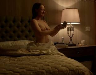paula malcomson topless for selfie on ray donovan 4140 11