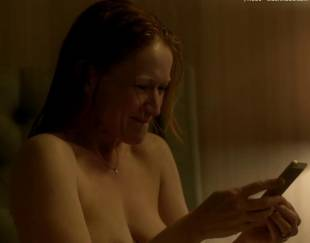 paula malcomson topless for selfie on ray donovan 4140 20