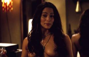 paula patton topless in 2 guns 6208 6