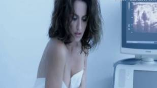 penelope cruz topless breasts examined in ma ma 6051 3
