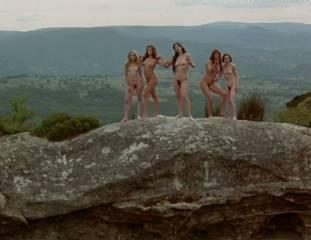 portia de rossi and elle macpherson nude in sirens 4105 10