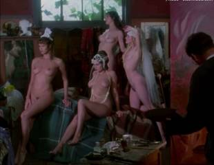 portia de rossi and elle macpherson nude in sirens 4105 5