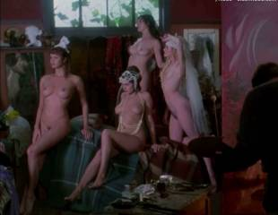 portia de rossi and elle macpherson nude in sirens 4105 6