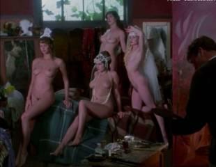 portia de rossi and elle macpherson nude in sirens 4105 9