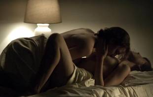 rachel brosnahan kate lyn sheil topless in house of cards 3128 5