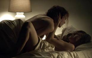 rachel brosnahan kate lyn sheil topless in house of cards 3128 9