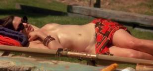 rachel weisz topless for tan in stealing beauty 6021 3