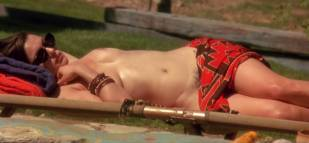 rachel weisz topless for tan in stealing beauty 6021 4