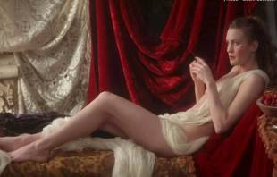 robin wright nude in moll flanders 2682 1