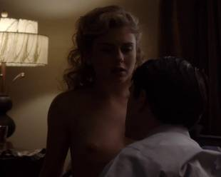 rose mciver topless and shy on masters of sex 5219 16