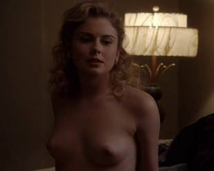 rose mciver topless and shy on masters of sex 5219 7