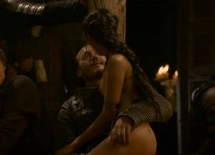 sahara knite nude in your lap on game of thrones 0102 12