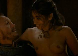 sahara knite nude in your lap on game of thrones 0102 16