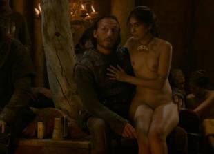 sahara knite nude in your lap on game of thrones 0102 17