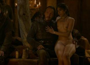 sahara knite nude in your lap on game of thrones 0102 18