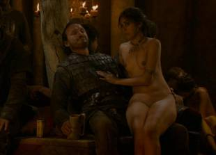 sahara knite nude in your lap on game of thrones 0102 19