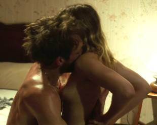 sara forestier topless making out from suzanne 4381 12