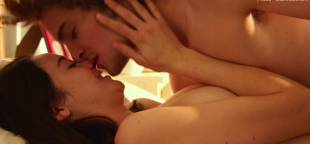 shailene woodley nude sex scene in white bird in a blizzard 2107 12