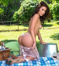 sophie anne nude for playboy picnic with milk 4336 4