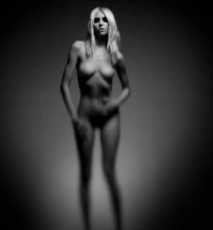 taylor momsen nude because she pretty reckless 7585 10