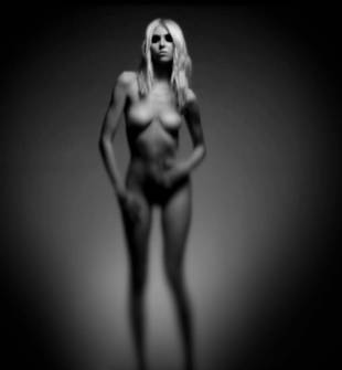 taylor momsen nude because she pretty reckless 7585 4