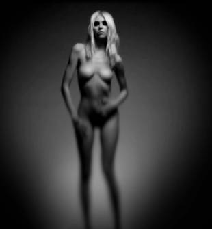 taylor momsen nude because she pretty reckless 7585 5