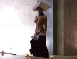 valentina di paola topless in cha cha cha 4720 3