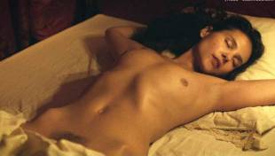 virginie ledoyen nude in farewell my queen 3957 13