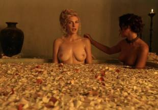 viva bianca topless for tub pleasure on spartacus vengeance 5587 1