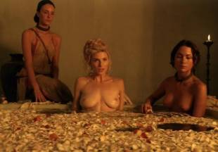 viva bianca topless for tub pleasure on spartacus vengeance 5587 17