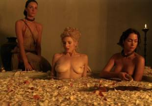 viva bianca topless for tub pleasure on spartacus vengeance 5587 19