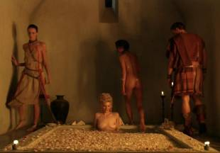 viva bianca topless for tub pleasure on spartacus vengeance 5587 21