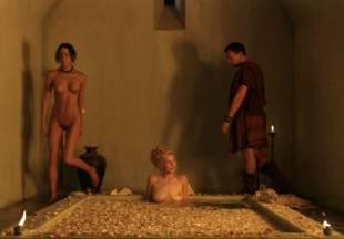 viva bianca topless for tub pleasure on spartacus vengeance 5587 23
