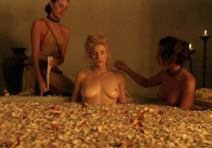 viva bianca topless for tub pleasure on spartacus vengeance 5587 4