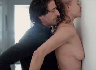 yvonne strahovski nude in manhattan night 6525 27