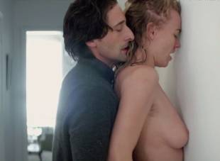 yvonne strahovski nude in manhattan night 6525 28