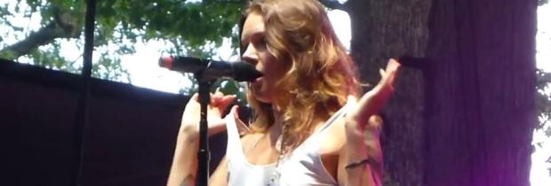 tove lo topless flash singing talking body 3743