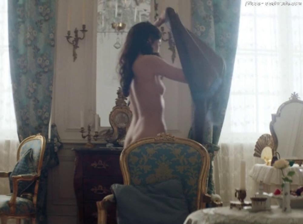 Tuppence Middleton Nude Top To Bottom In War And Peace 11