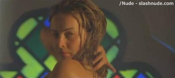 Violante Placido Nude In Bathtub Is Blast From Past 12