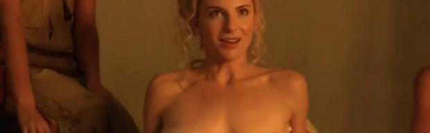 viva bianca topless for tub pleasure on spartacus vengeance 5587