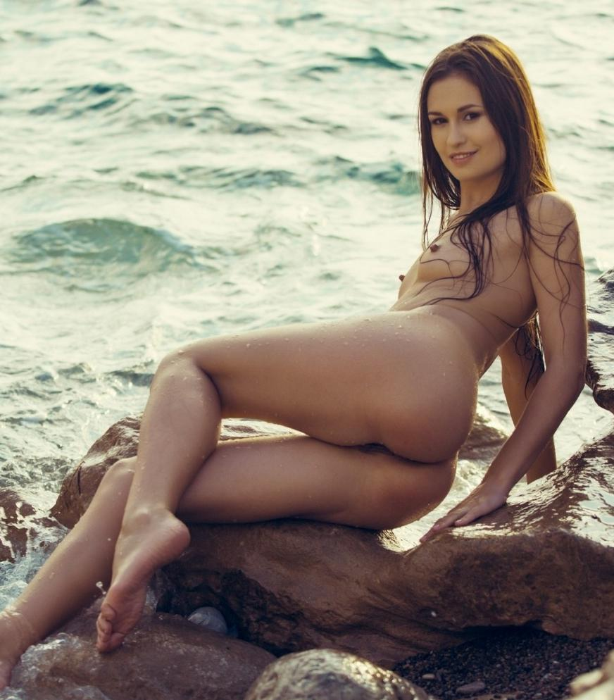 Demi Fray Nude At Beach For Playboy 7
