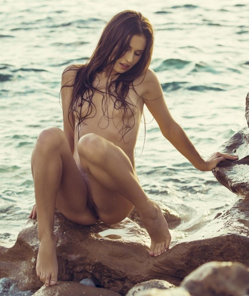 Demi Fray Nude At Beach For Playboy 8