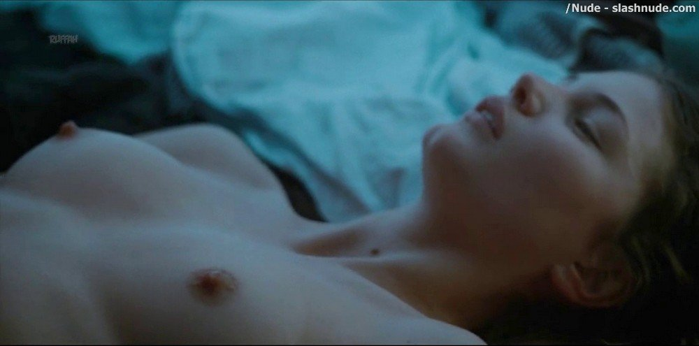 Iben Akerlie Topless In Dont Tell Me About Your Dreams 11