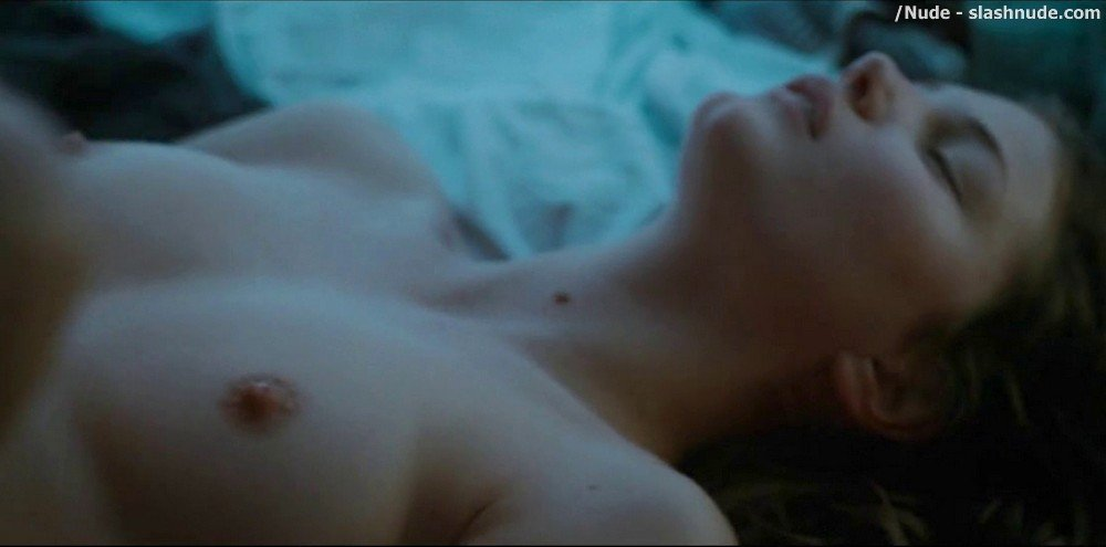 Iben Akerlie Topless In Dont Tell Me About Your Dreams 7
