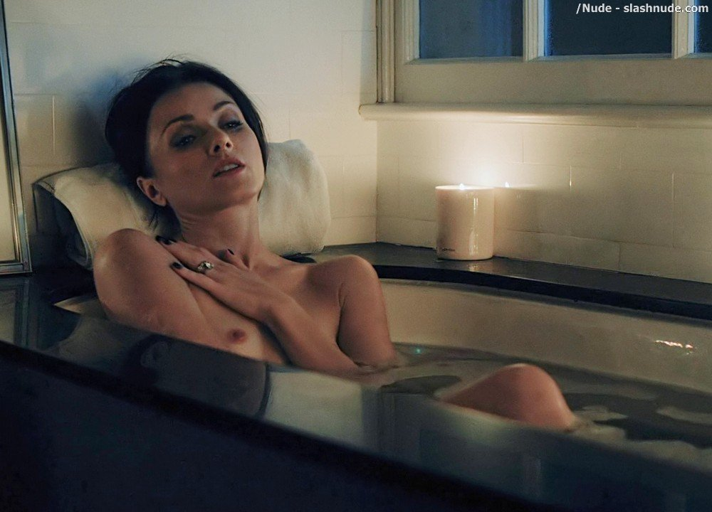 Irina Dvorovenko Nude For Bath In Flesh And Bone 17