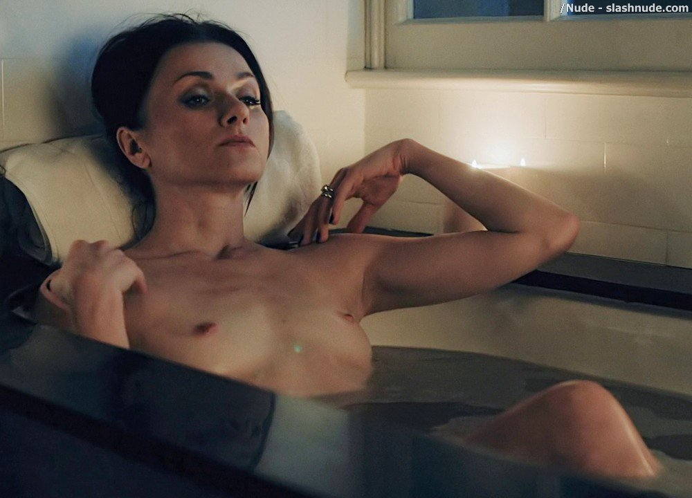 Irina Dvorovenko Nude For Bath In Flesh And Bone 3