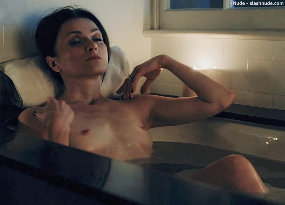 Irina Dvorovenko Nude For Bath In Flesh And Bone 4