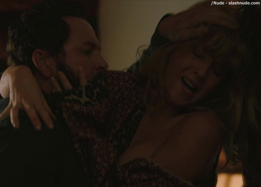 Kelly Reilly Topless In Yellowstone 13