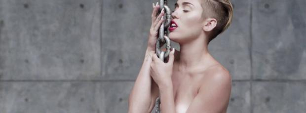 miley cyrus nude in leaked uncensored wrecking ball video 2010