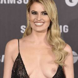 adriana abenia flashes breast at gq men of year awards 3948 5